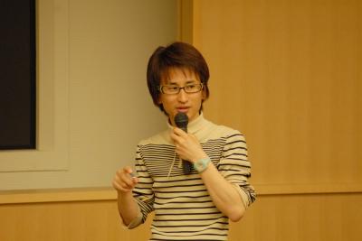 「まちの断片」で講演中の大山顕さん04